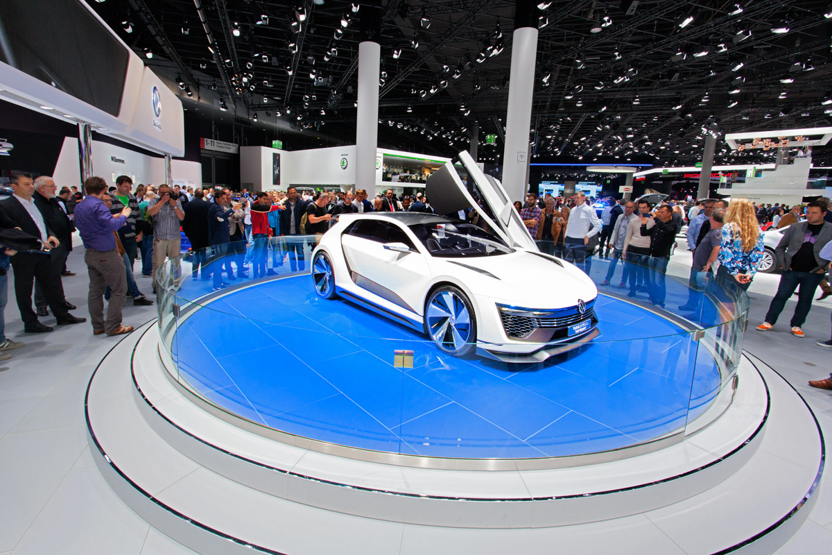 Turntables For Car Presentation Or Auto Show PreMotion - Car display